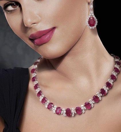 Đá Ruby là gì ? Ý nghĩa của đá Ruby trong phong thủy ?